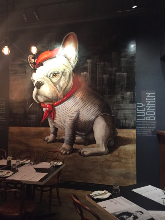 French Bulldog - Cliché Restaurant