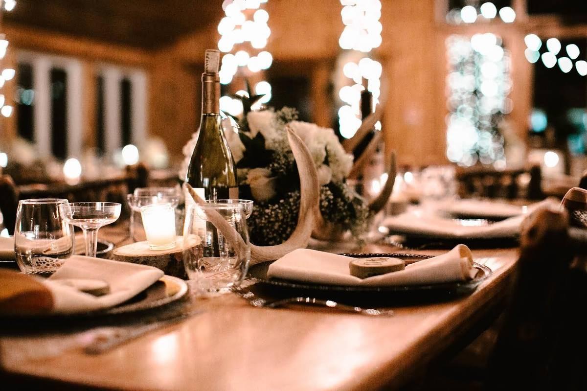 Wedding Venues in Wyoming Meadowlark Ski Lodge