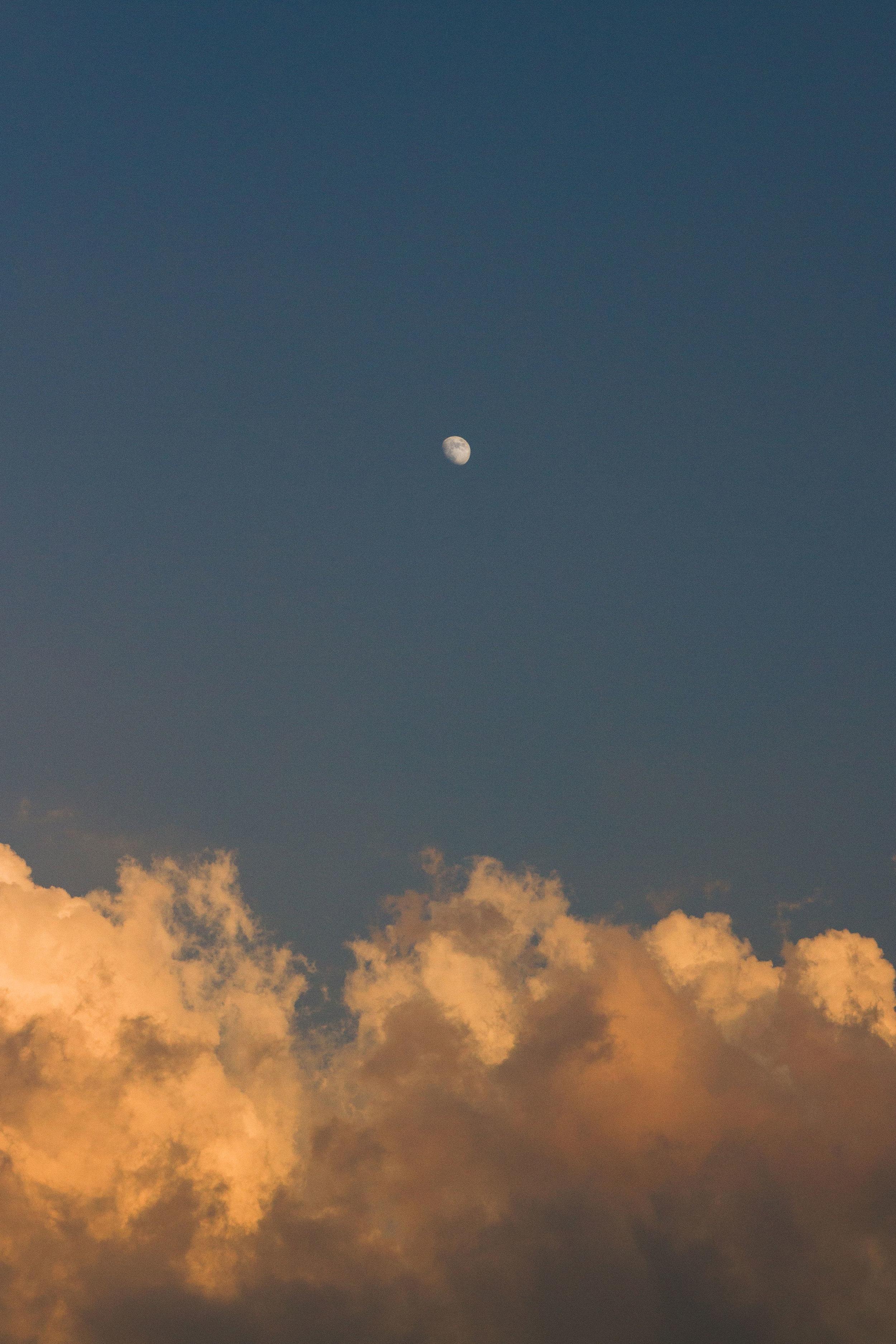 SKY+_MOON.jpg