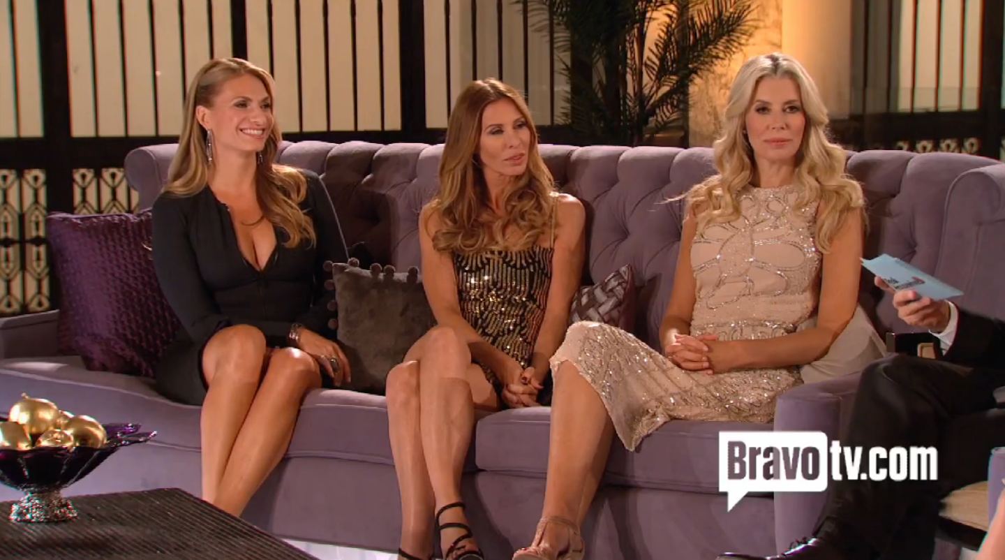rhony-reunion-5-newbie-couch-2.png