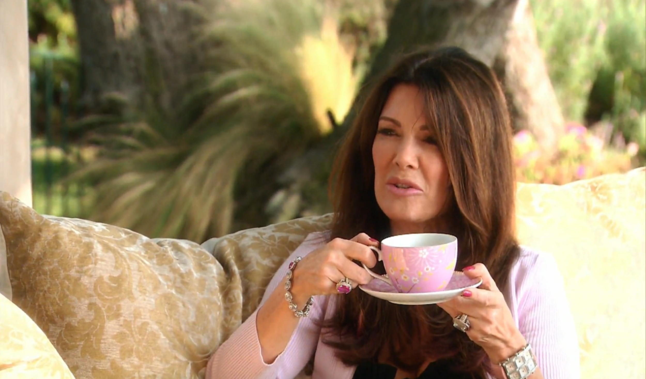 lisa-vanderpump-questioning-kathryn-edwards