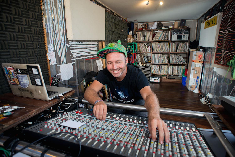Mixing at  Gorilla Solar Studio . Photo:  Francesco Vicenzi .