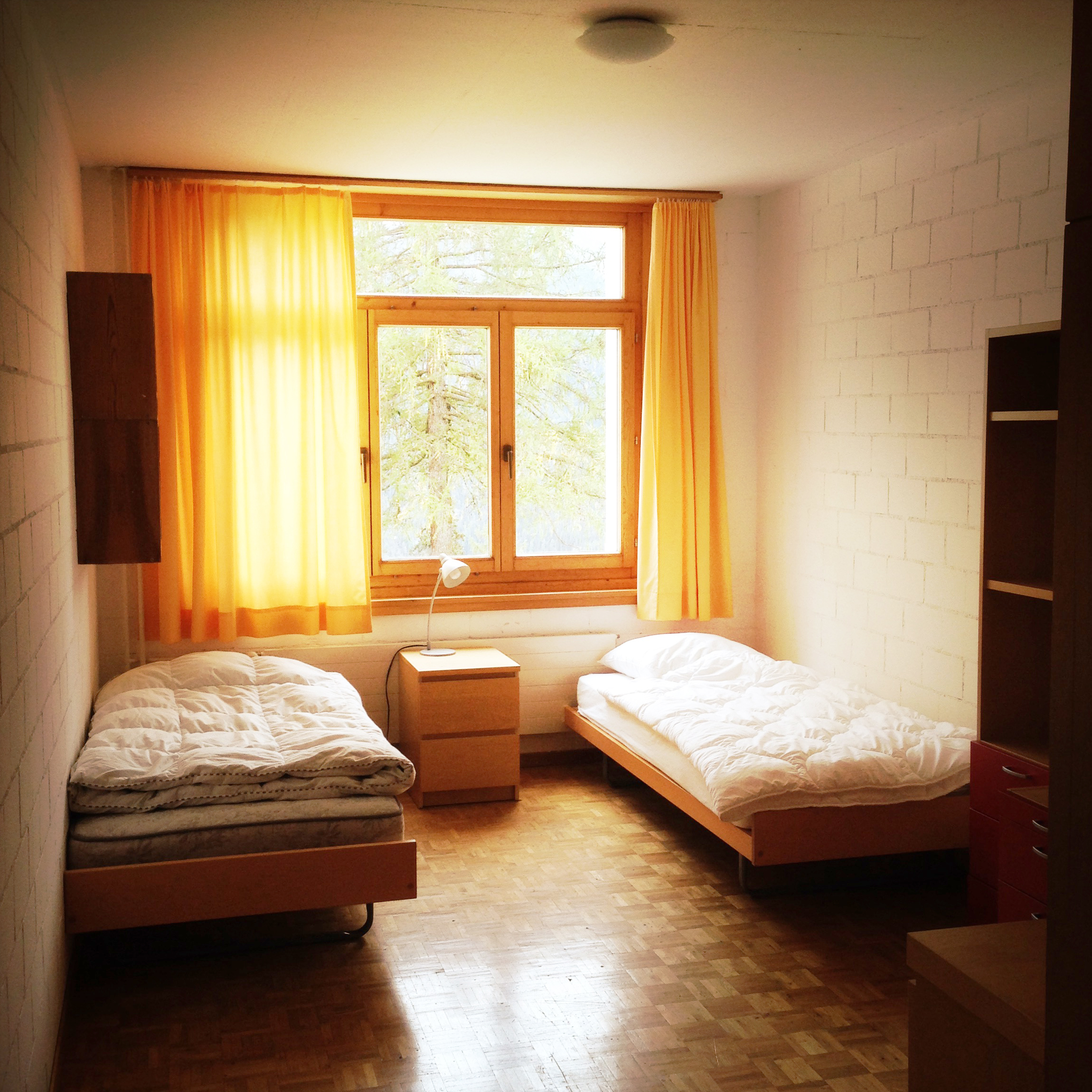 Standard twin bedroom
