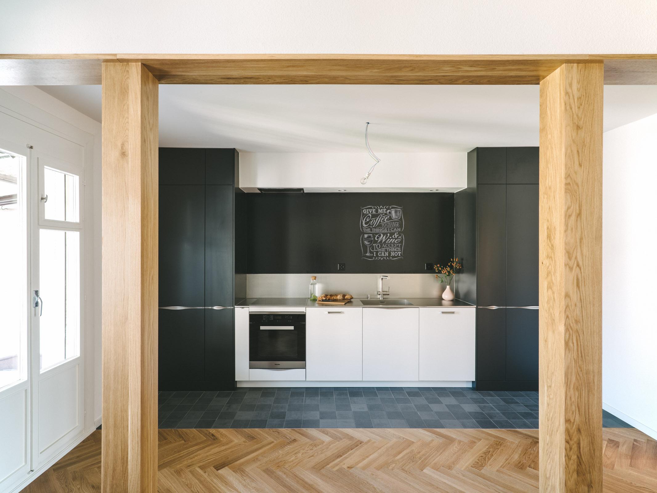 Umbau MFH Basel Küchen, Consilium Architektur und Baumanagement