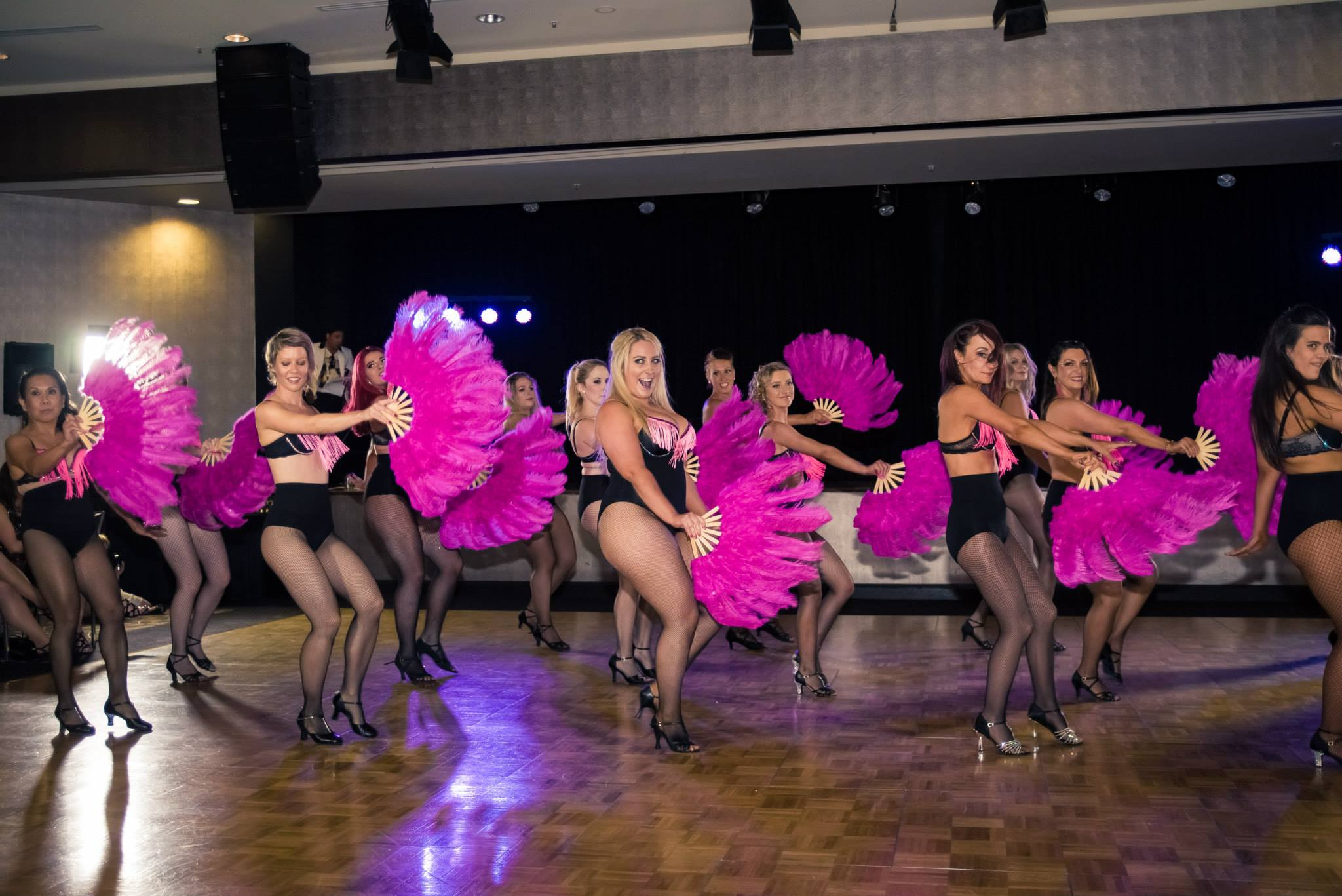 burlesque-performance-canberra.jpg