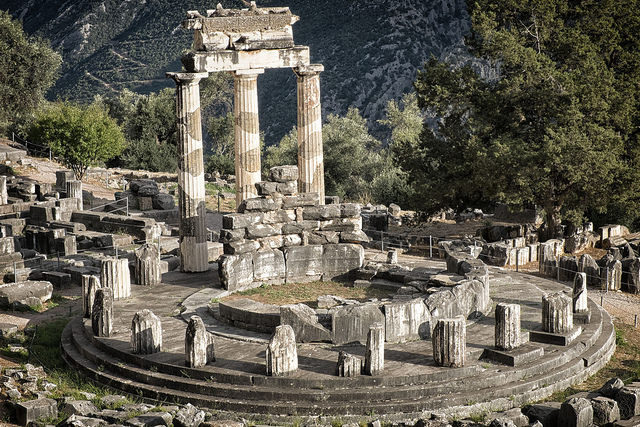 ancient delphi greece tour excursion sightseeing