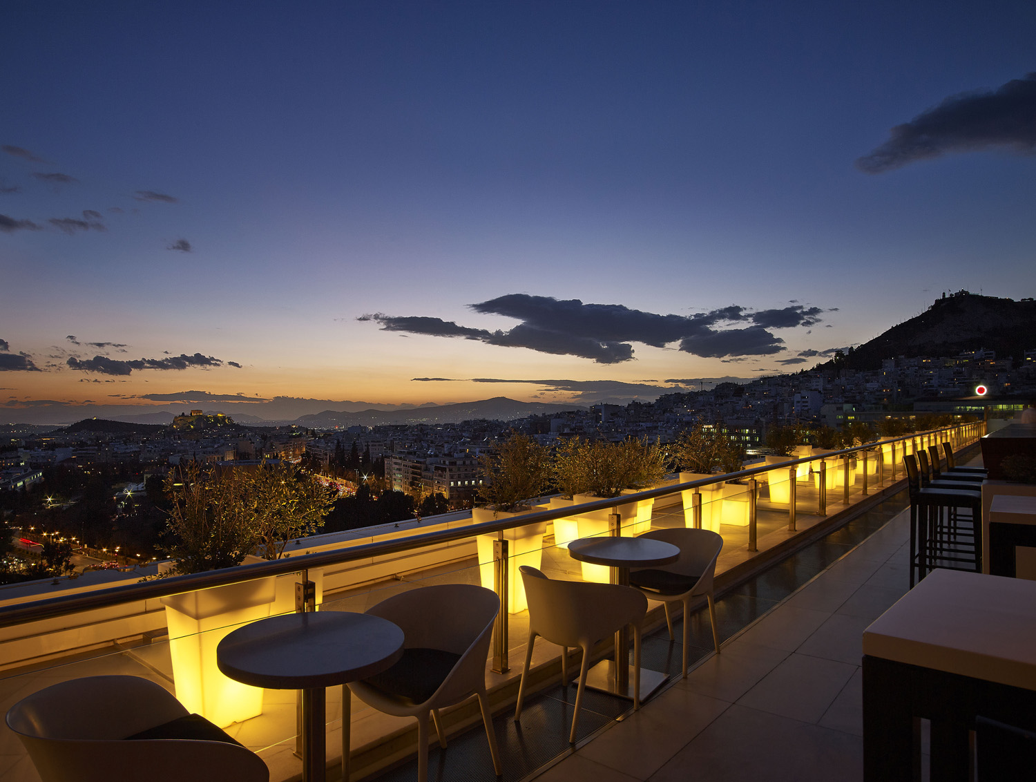The Galaxy bar on the rooftop of Athens' Hilton (Picture courtesy of Hilton Hotel, Galaxy Bar)