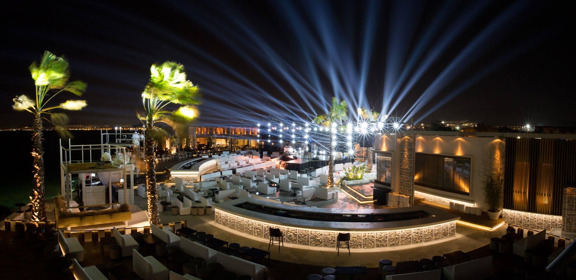 Estate Seaside @ Akrotiri for a live Greek pop experience like a local (Picture via Facebook)