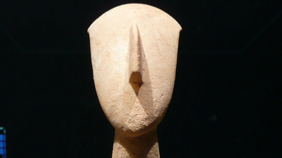 The Museum of Cycladic Art empasizes on the cycladic art and the