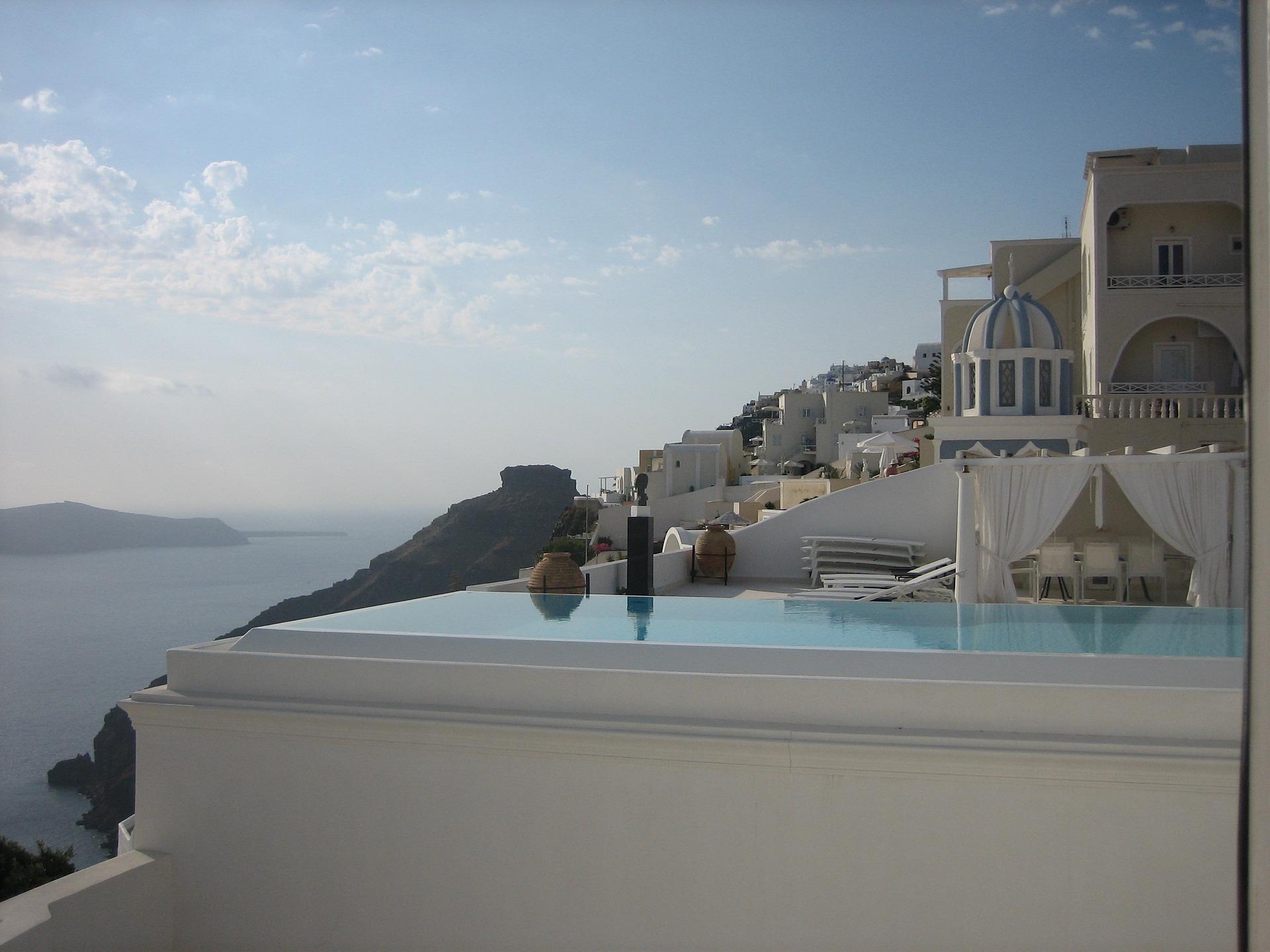 Beautiful setup in Santorini (Picture by ab-nach-mallorca/Pixabay)