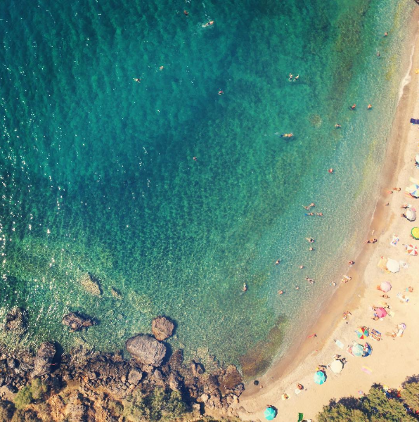 Erotospilia beach on the eastern cost of Athens' Porto Rafti (Picture by ahh_gotcha/Instagram)