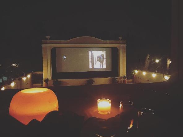 Beautiful balcony at Cine Aigli in Zappeion (Picture by Fenia_ /  Instagram )