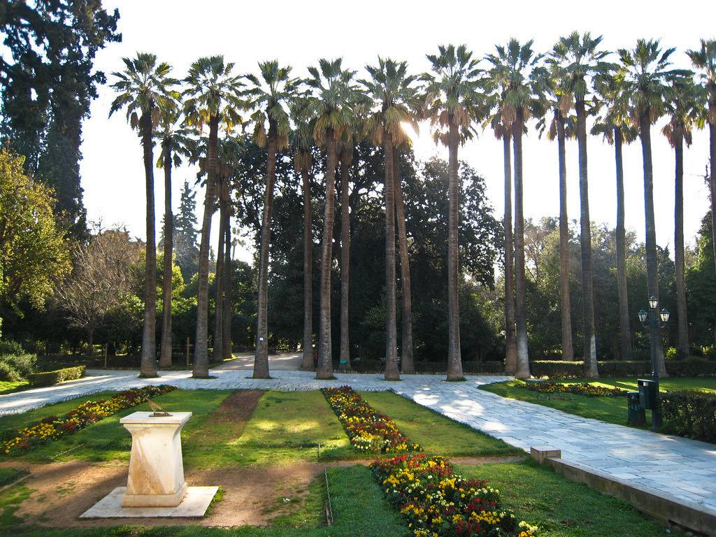 Take a romantic walk in the National Gardens off Syntagma Square (Picture by Sharon Mollerus / Flickr)