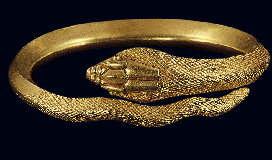 The behind-the-scenes jewerly collection of the Benaki museum will leave you speechless...
