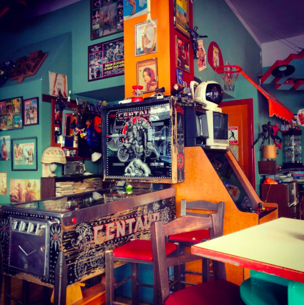 The wonderful nostalgia of Superfly - Long live the 80s! (Photo by harry_arg/Instagram)