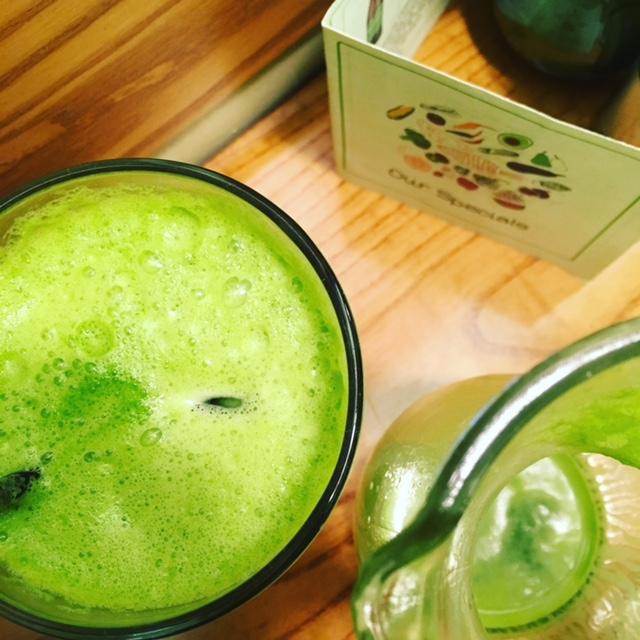 Detox green smoothie at Avocado Athens (yum!) (Photo credit:  @thetravelporter / Instagram )