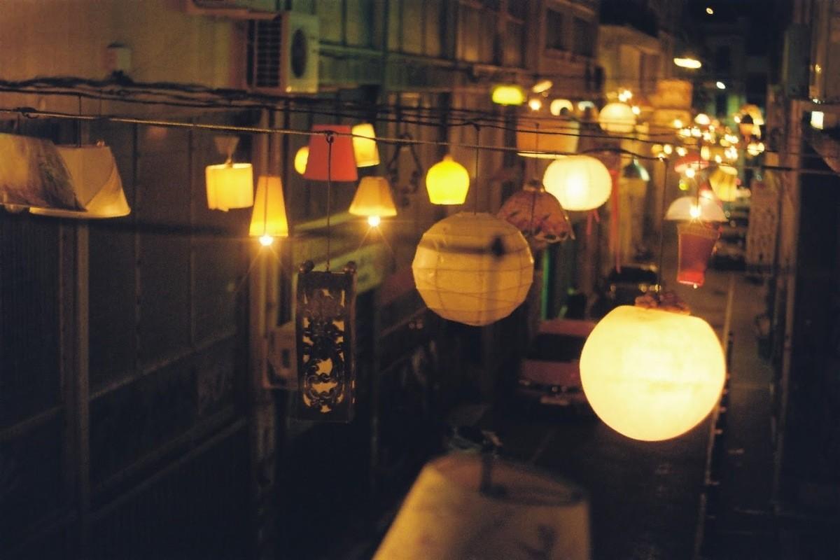 Nightlife Adventures - Explore the city at night