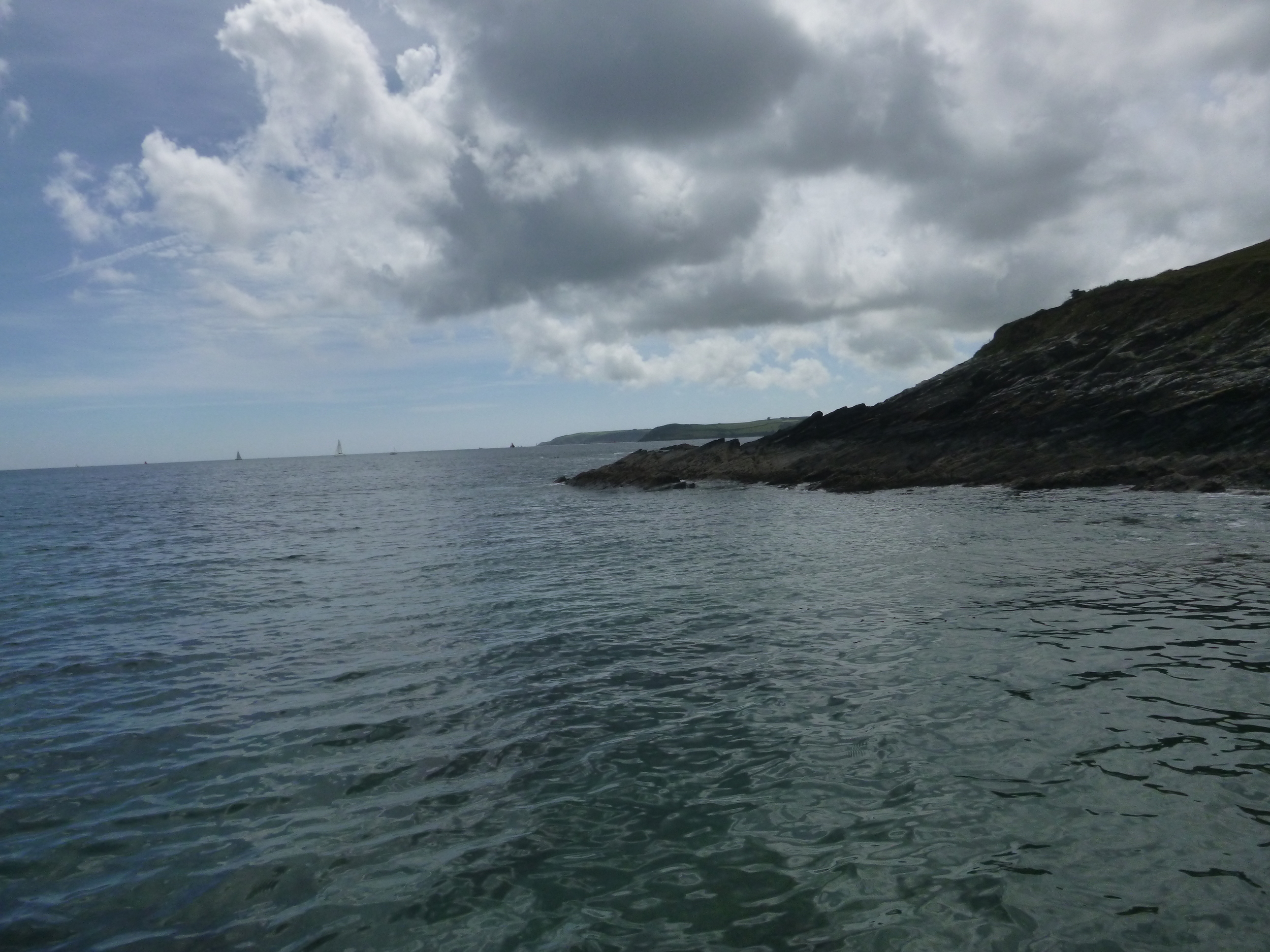 The view from a SUP past Rosemullion Head down the Lizard