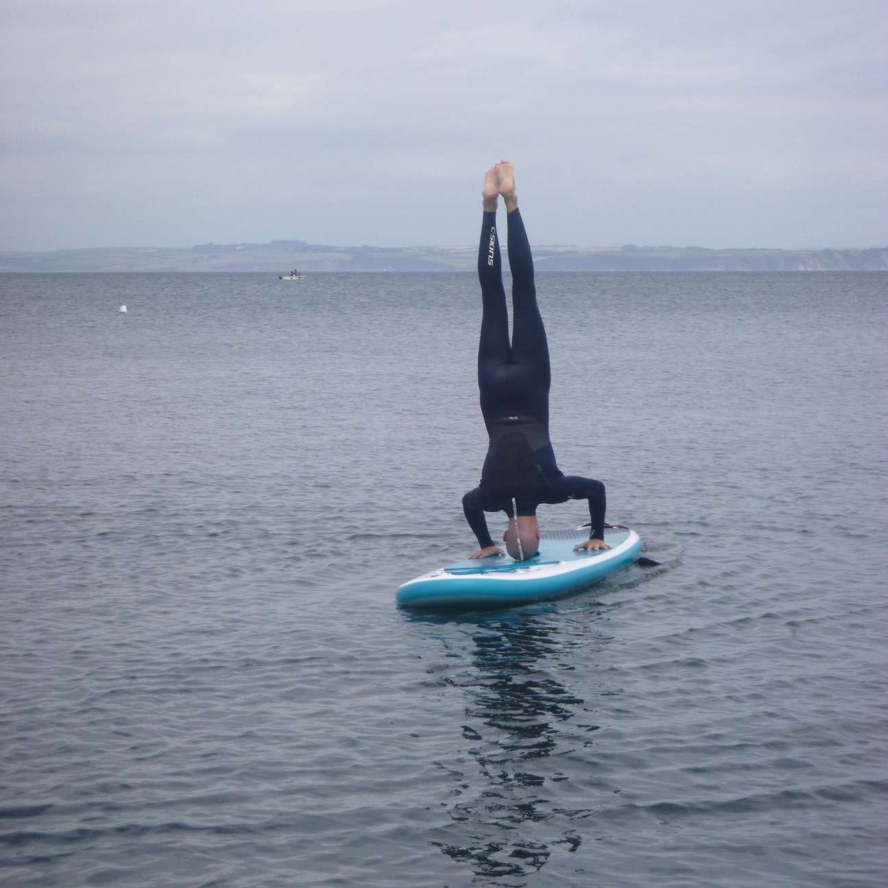 headstand-stand-up-paddle