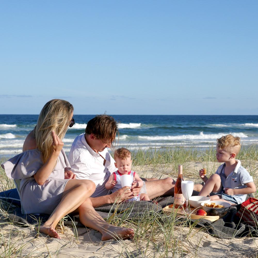 beachpicnic.jpg