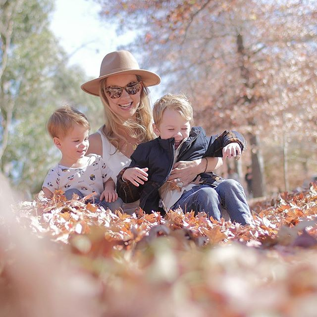 Stopped by the Autumn leaves at Mount Macedon on our mini vacay and they did not disappoint! There were no reds or yellows left but lots and lots of brown 'crunchy leaves' as Austin would say. The kids went bananas rolling through them, throwing them and smooshing them in my hair. Still finding bits of leaves everywhere! 🍂