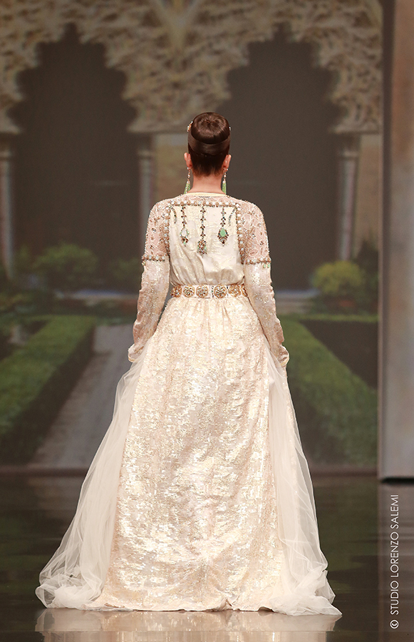 Caftan Haute Couture Fouzia Naciri - Inspiration Perlé Beige Dos