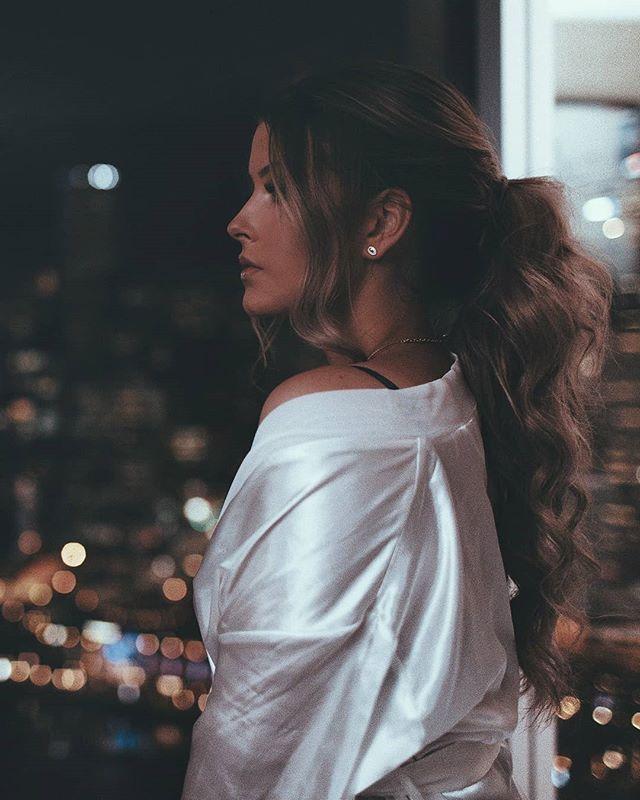 Aura ✨🌃 @brittanymaggs @davidsimonmanagement . . . . . . #jamesjoel #artofvisuals #lowlight #her #jj #mood #vibes #portrait #style #artisit #singer #beauty #night #aura #evening #fashion #bath #city #sydney #cali #australia