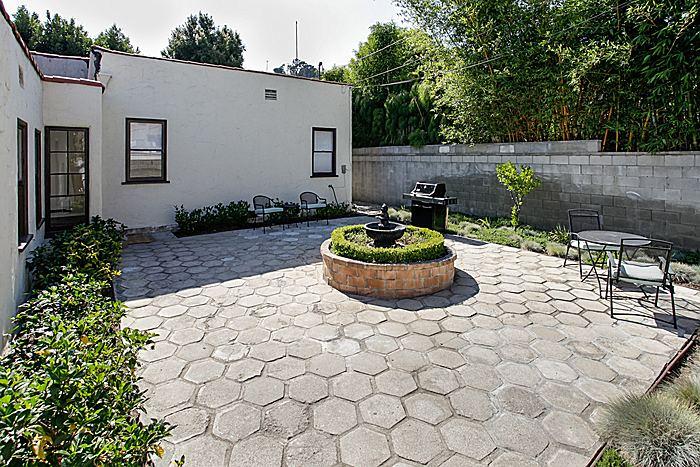 backyard1_700.jpg