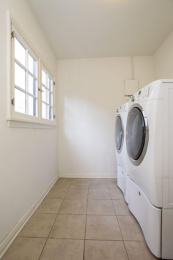 laundryroom_700.jpg