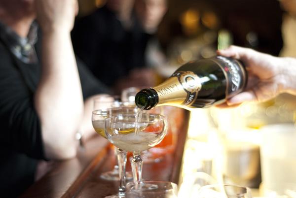Peder Oxes Kælders champagne