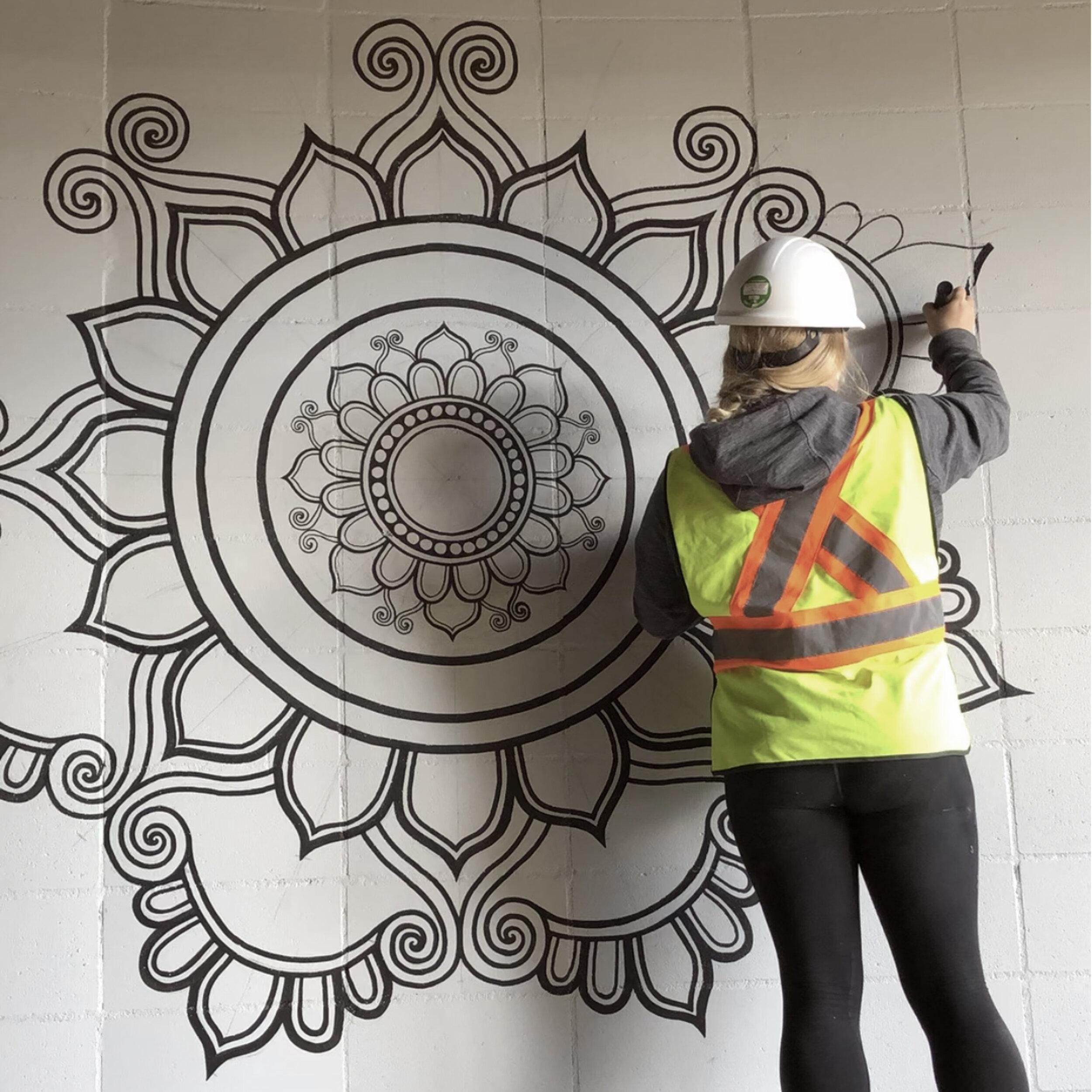 fortyonehundred-wall-mural-artist4.jpg