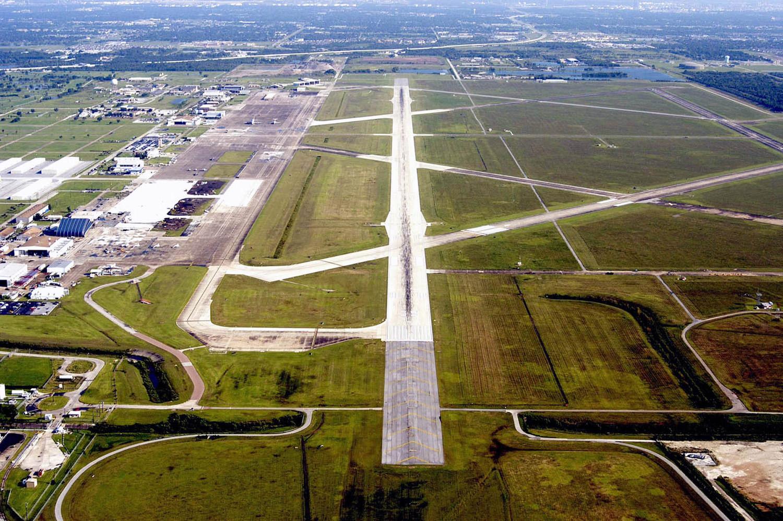 ellington airport large.jpg