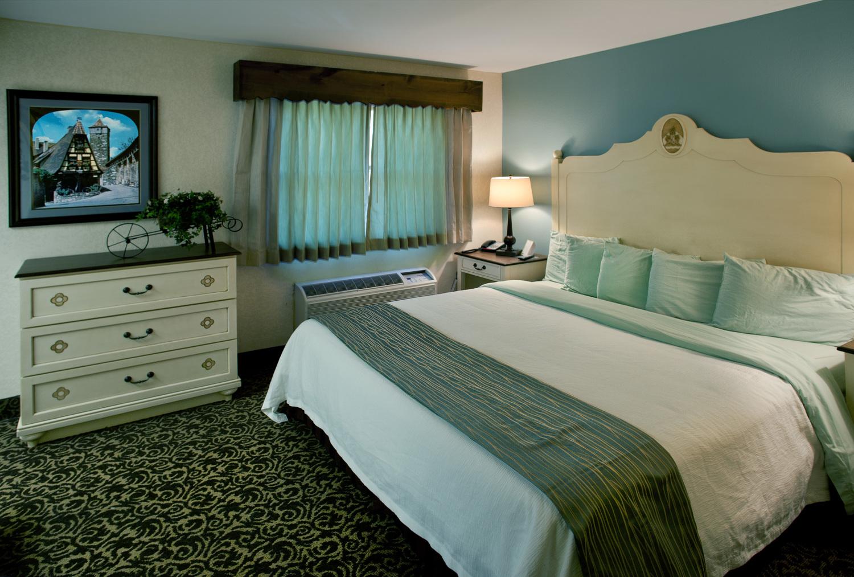 303-Bedroom.png