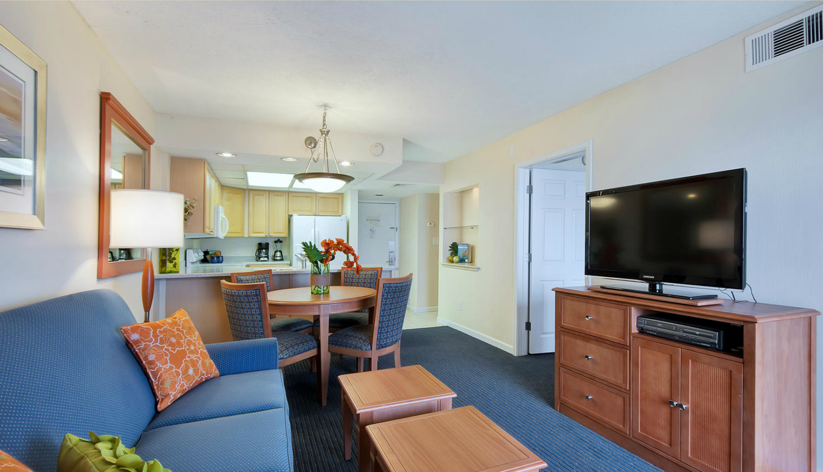 Living Area 2 - Bay Club of Sandestin.jpg