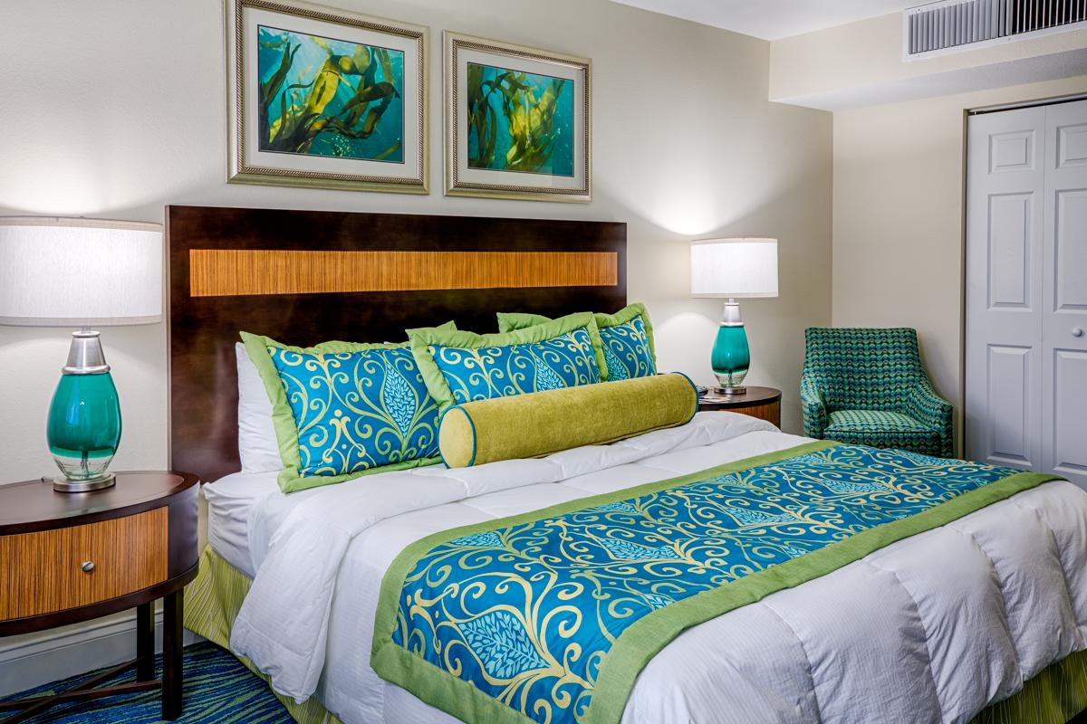 King Guestroom - Hollywood Beach Towers.jpg