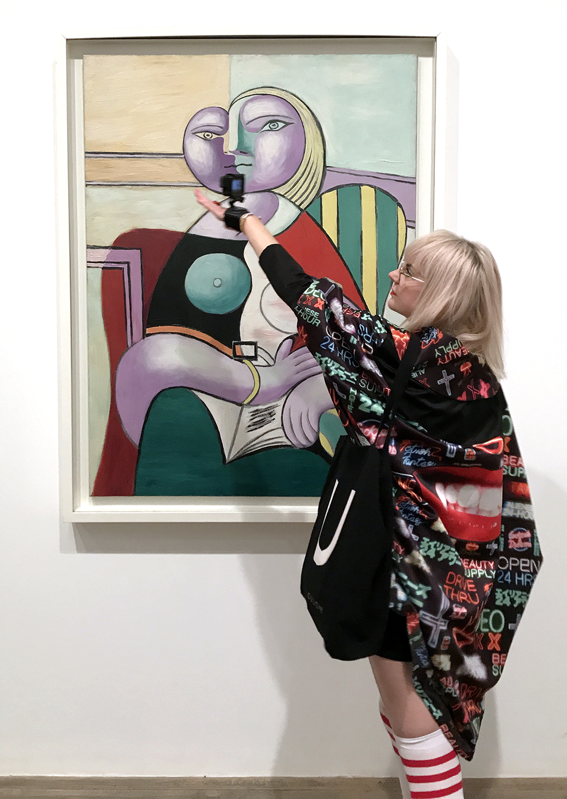 Holly-AnneGoProphet at Tate Modern - Picasso 1932 Love, Fame & Tragedy - Performance still, August 2018