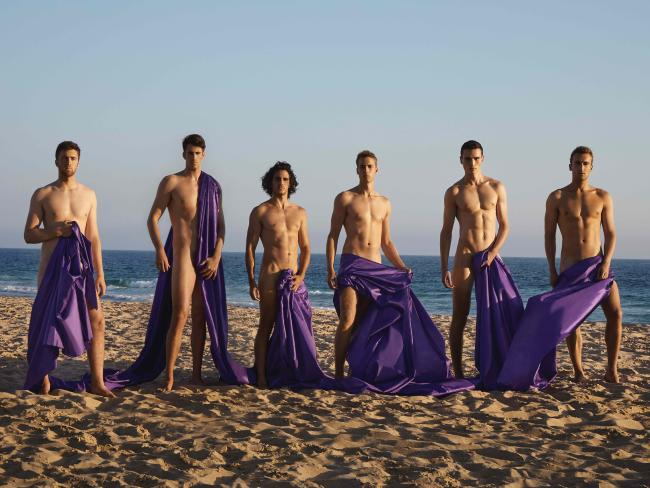 ARE you a rower? Are you hot? Are you up for getting your kit off in the name of a good cause?  If you answered yes to all three of those questions, you're the perfect candidate for the Warwick Rowers'new Australian naked charity calendar.