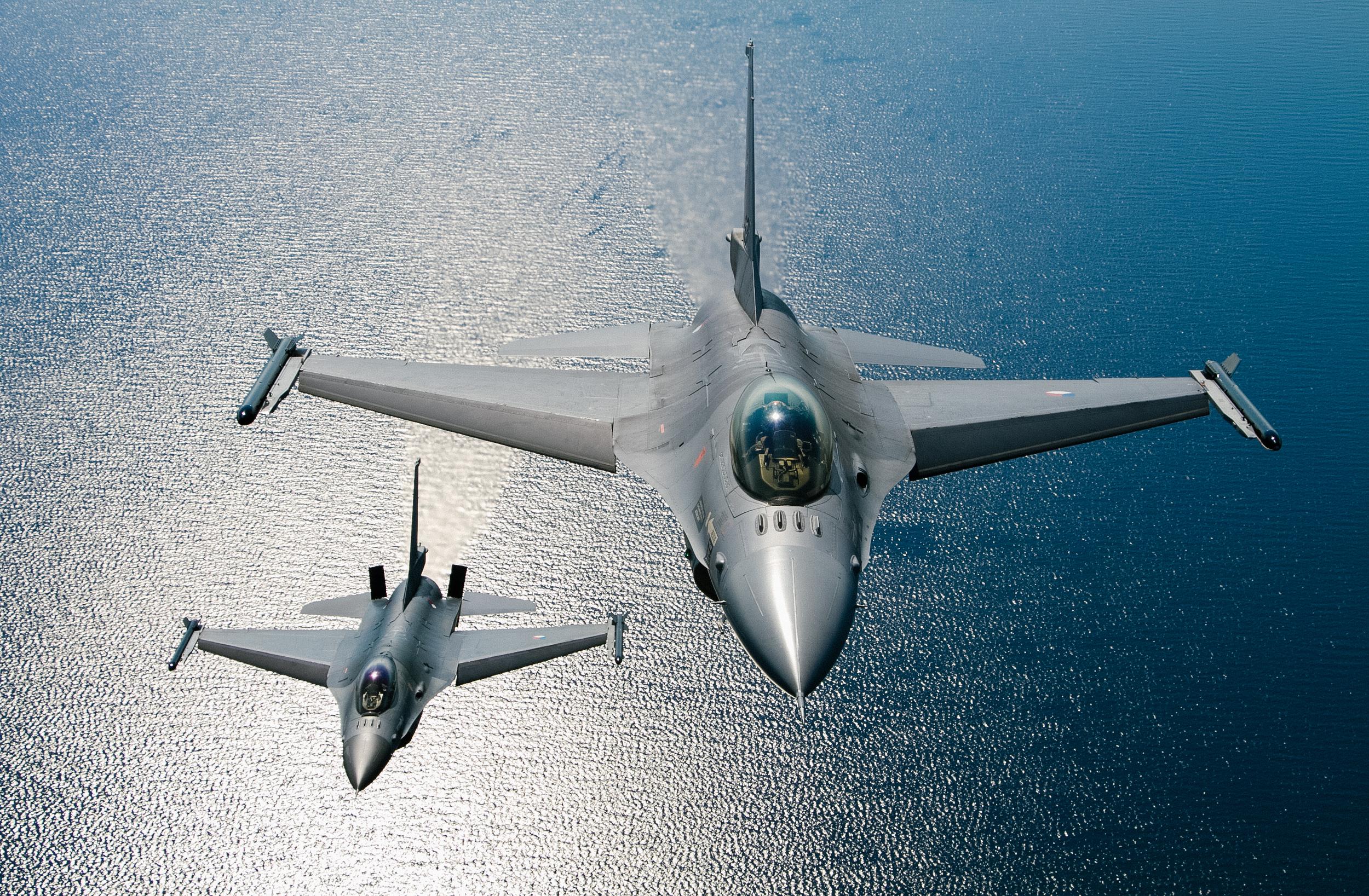 Dutch F16.jpg