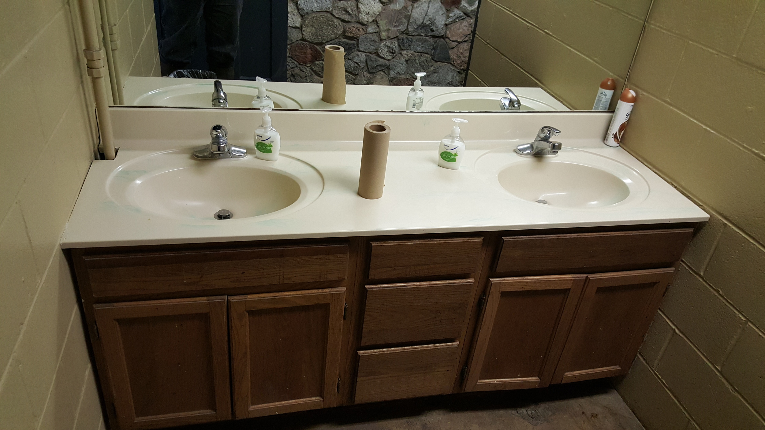 Women's Sink - Before
