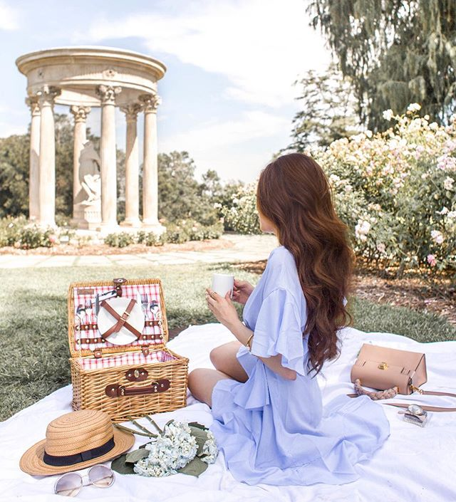 Picnic time 🌳🍃Details from this look here👉🏼 http://liketk.it/2s08g #liketkit @liketoknow.it