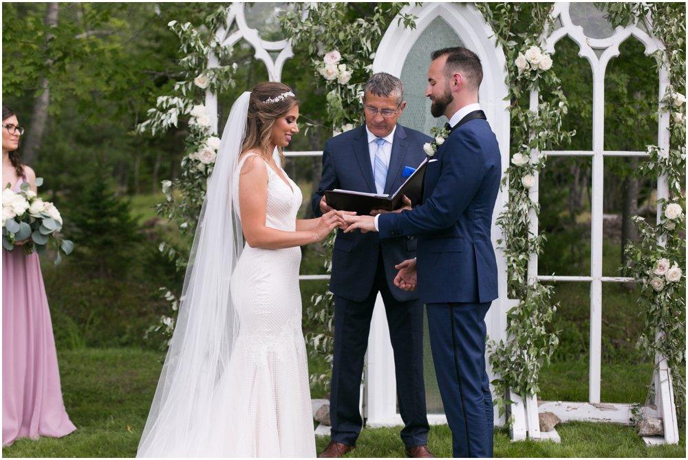 Mahone-Bay-Wedding-Chantal-Routhier-Photography_0012.jpg
