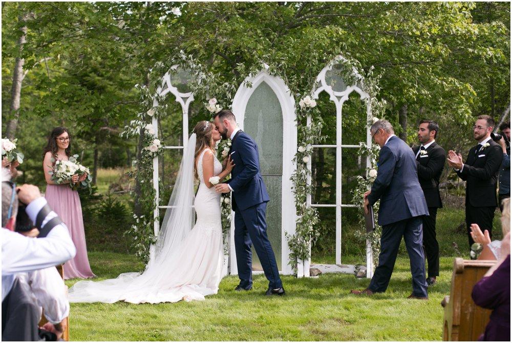 Mahone-Bay-Wedding-Chantal-Routhier-Photography_0015.jpg