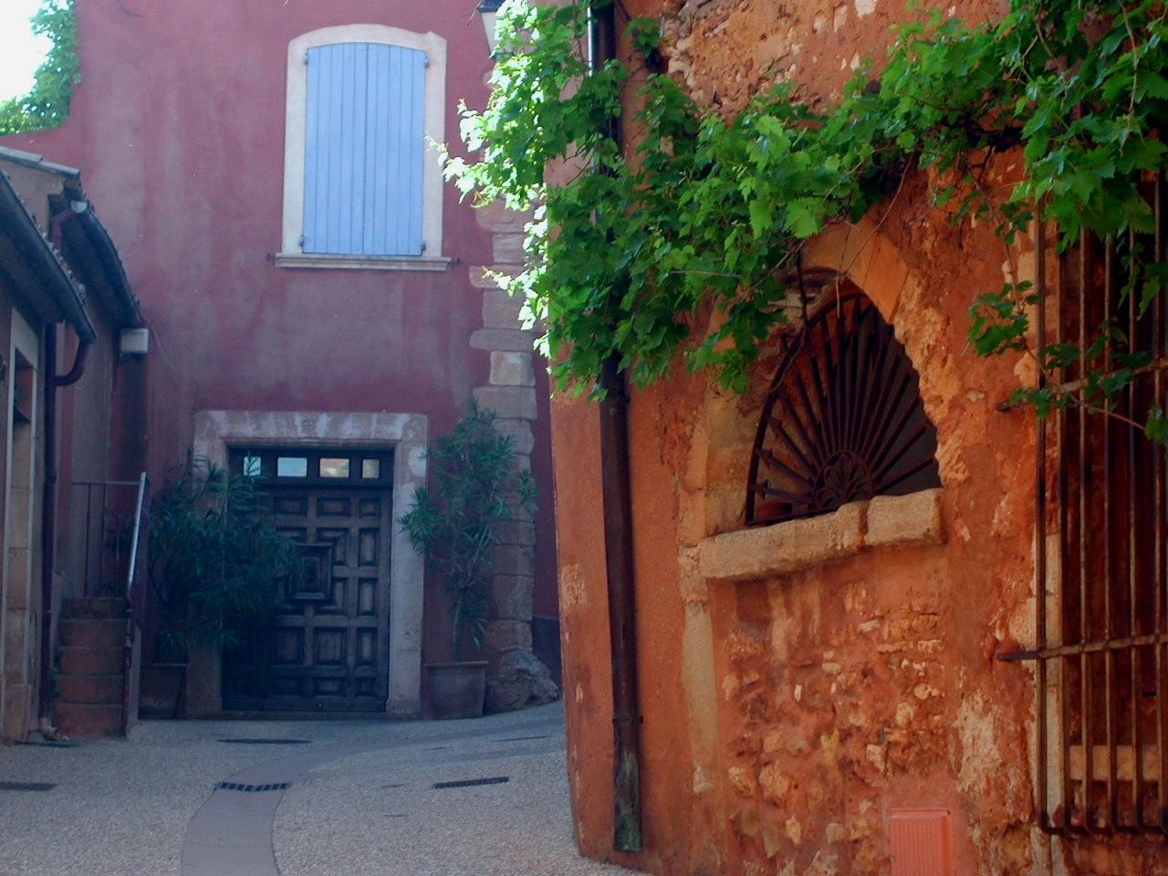 Roussillon Walls.JPG