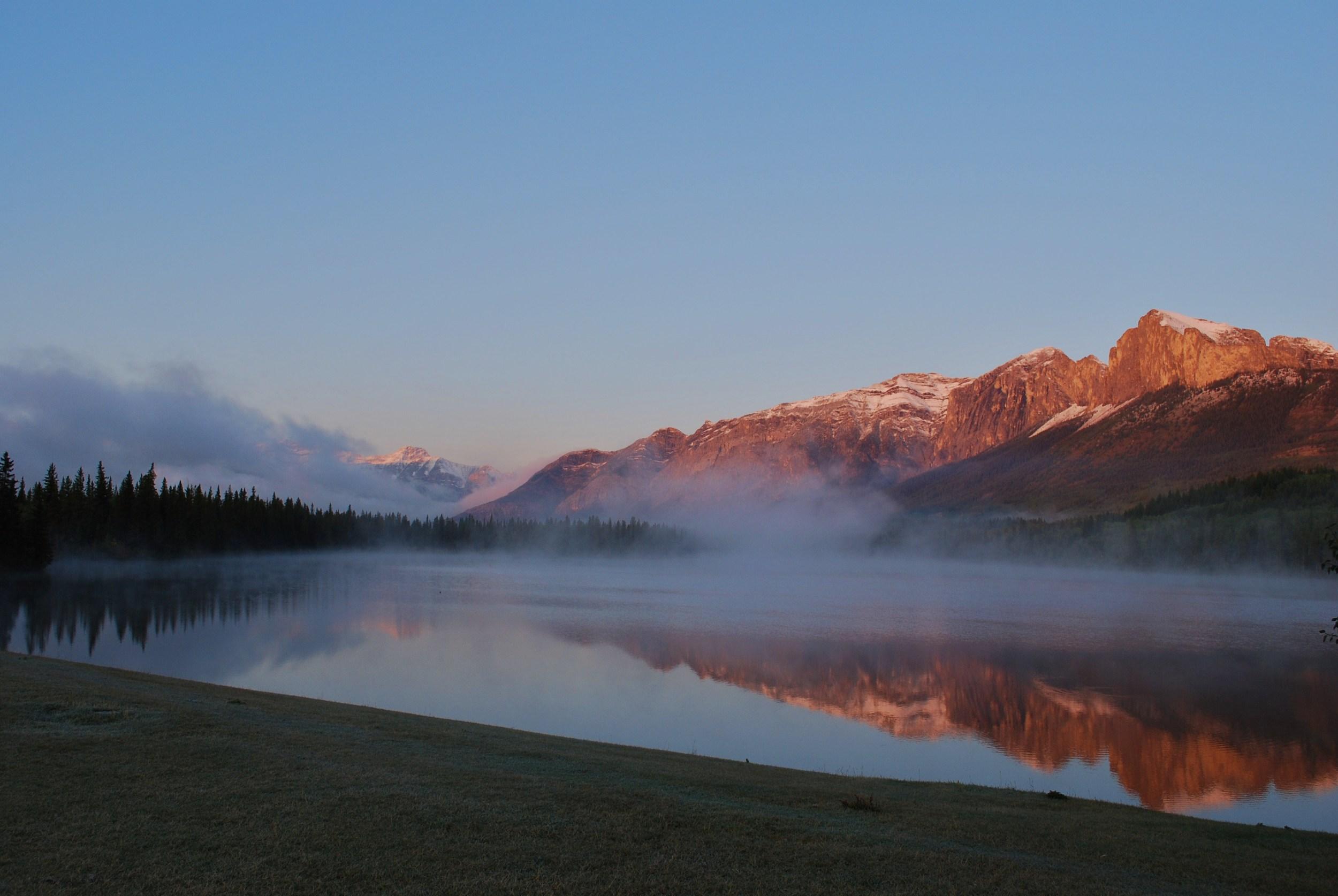 nakoda morning lake 16.JPG