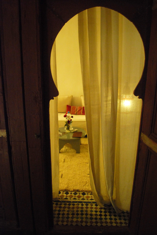 Fes Riad Dar Bensouda doorway.JPG