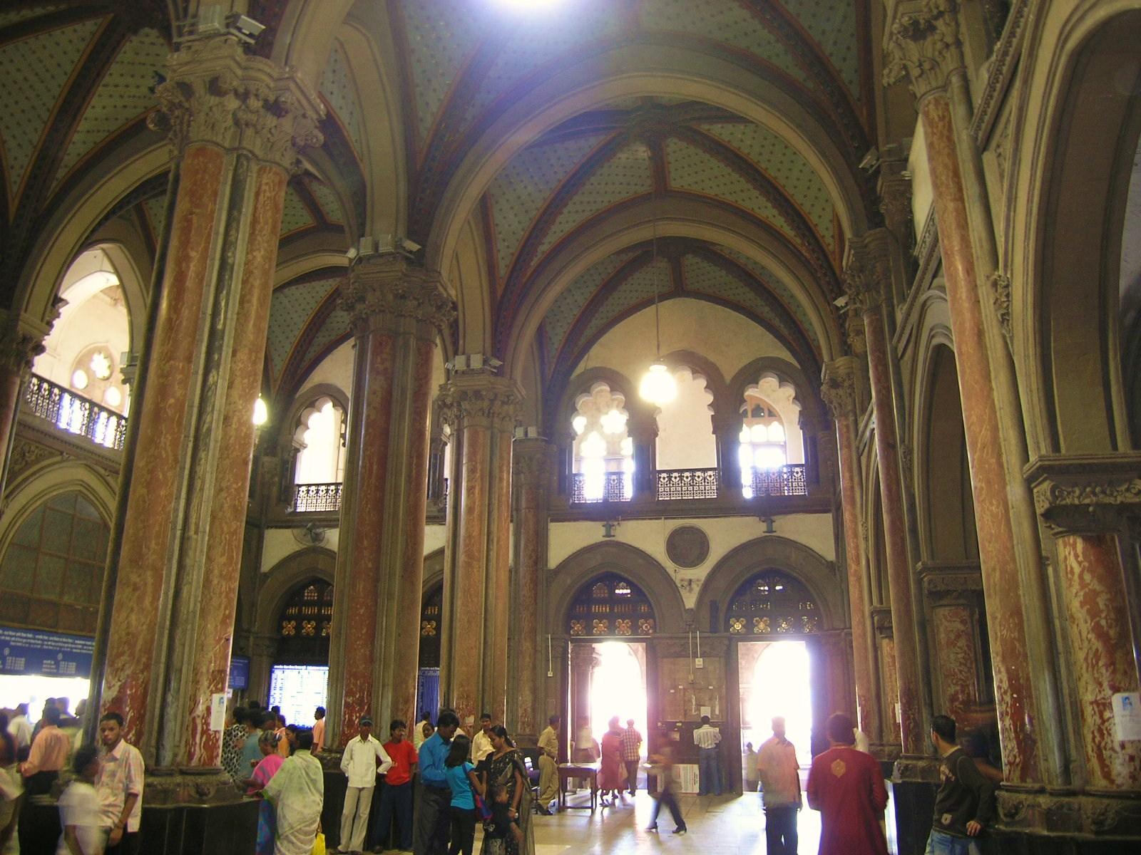 Nov 4 Bombay station 2.JPG