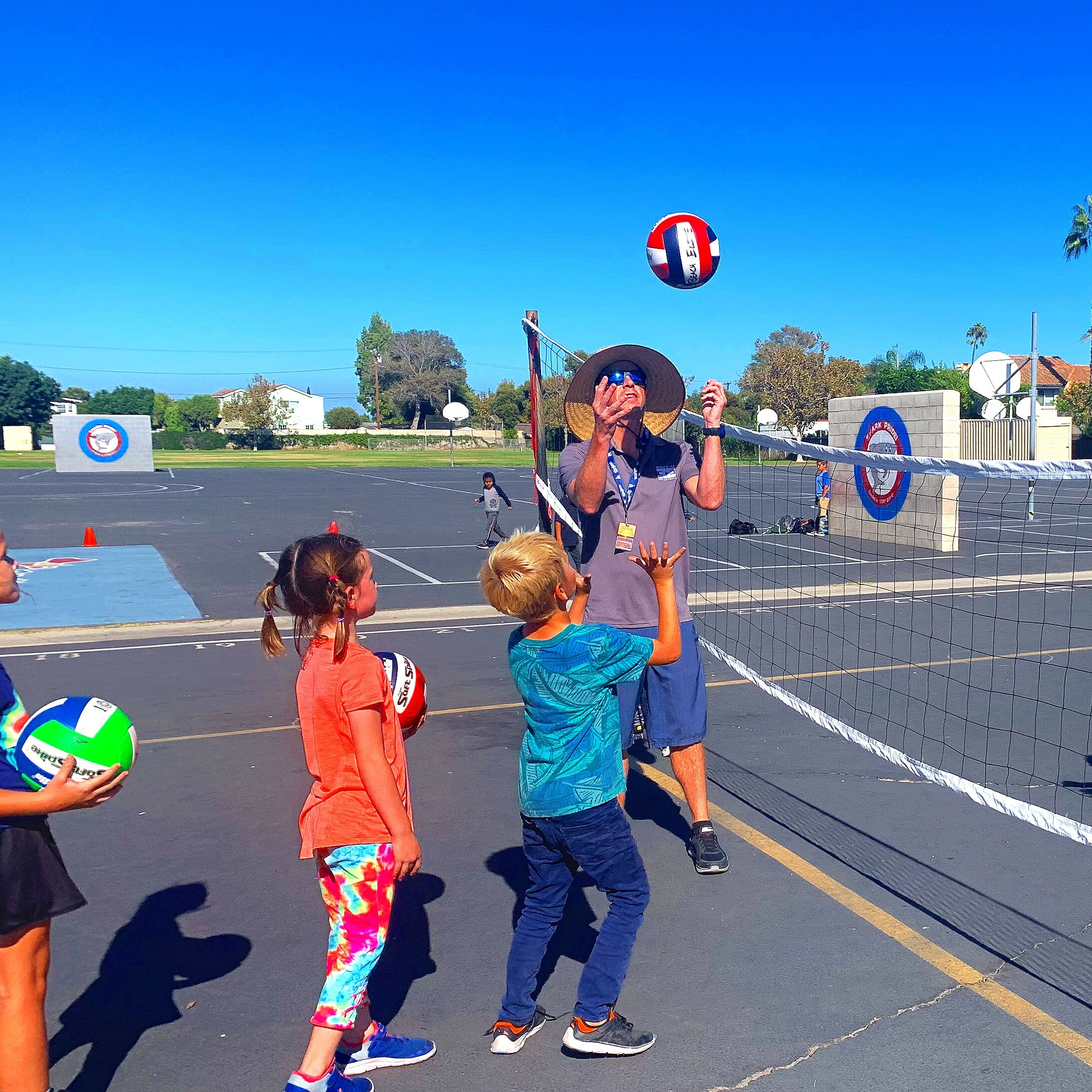 YOUTH CLASSES - NEWPORT BEACH - ➜ Year round beach and indoor programs➜ ages from 7 to 16 boys and girls➜ Have fun and get better!