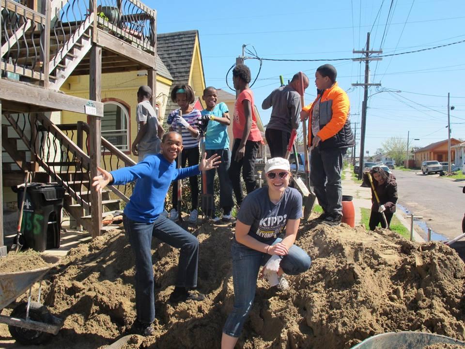angela kipp digging dirt