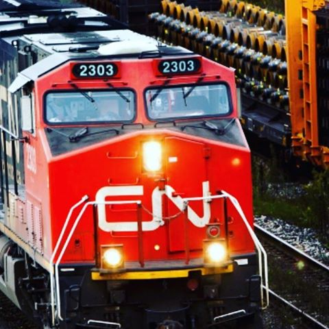 CN's @shipcn weekend wasn't much better than @canadianpacific - a locomotive spilled powdered acid in a rail yard near Vaughan - if there is a silver lining here at least it didn't happen twice!