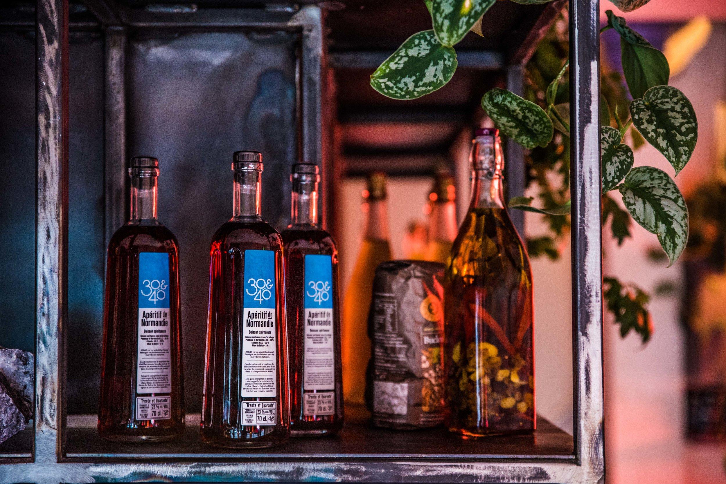 Interior Shots 30& 40 mamies cocktails